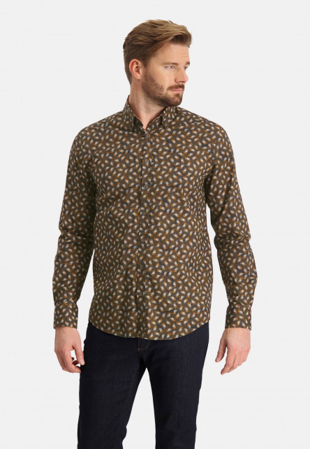 Shirt-with-print-and-a-regular-fit