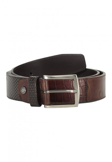 Belt-made-of-exotic-leather-pieces