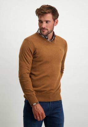 Pullover-mit-V-Ausschnitt-aus-Bio-Baumwolle---cognac-uni