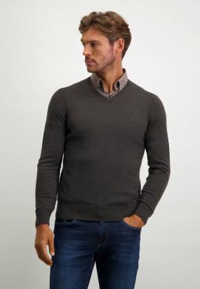 Pullover-mit-V-Ausschnitt-aus-Bio-Baumwolle---dunkelbraun-uni