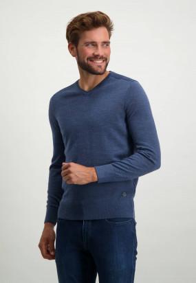 V-neck-pullover-in-a-wool-blend---cobalt-plain