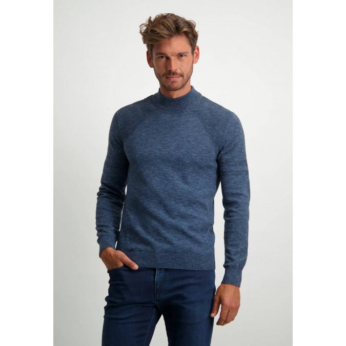 Fijngebreide-trui-met-turtleneck---donkerblauw/kobalt