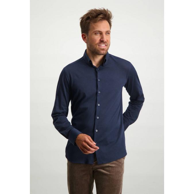 Cotton-shirt-with-button-down-collar---dark-blue-plain