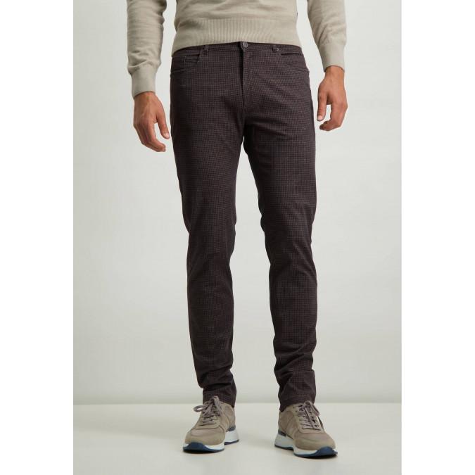 Stretch-trousers-with-digital-print---cognac/dark-brown